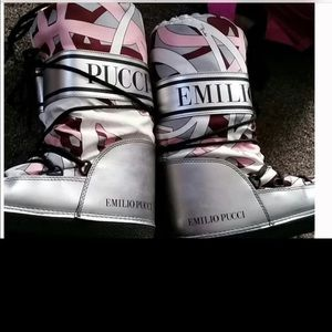 Authentic Emilio Pucci winter moon boots scarf